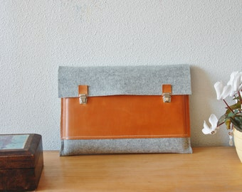 15 inch MacBook case, Macbook Pro 15 Case, 15 Macbook Bag, Macbook Pro Retina Case, MacBook case - Light grey felt & brown leather