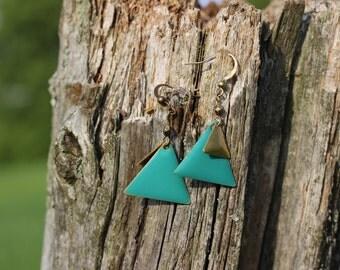 BO-675 Boucles d'oreilles géométriques turquoise, triangle  // Geometric earrings turquoise, triangle earrings