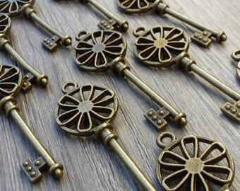 Wholesale Lot 10pcs Steampunk Victorian wholesale antique bronze skeleton key pendant charm necklace Alice in Wonderland 110  jewelry