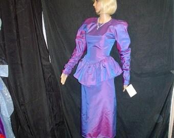 80s 8 M Sharkskin Taffeta Peplum Dress Purple