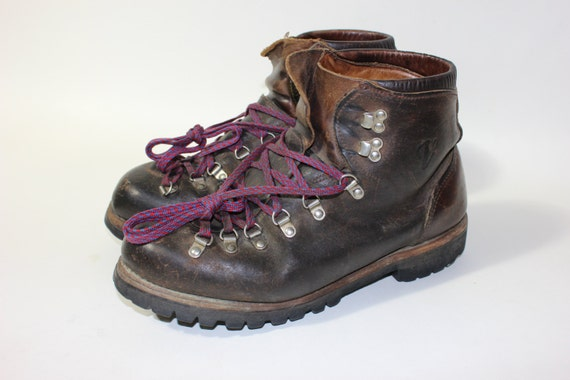 vintage vasque waffle stomper hiking boots. Black Bedroom Furniture Sets. Home Design Ideas