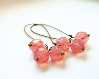 Pink Earrings, Pink Opal, Vintage Pink Earrings, Retro Pink Earrings, Pink Bridesmaid Earrings, Retro Jewelry, Shabby Chic, Bead Earrings