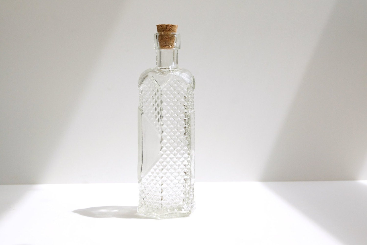 Decorative Clear Glass Bottle With Cork Stars
