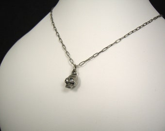 Single Small Skull necklace