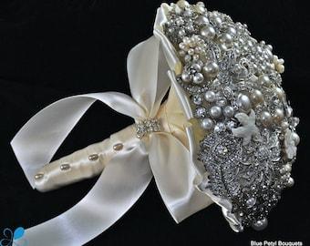 SMALL Pearl Brooch Bouquet - by Blue Petyl - Bridal Bouquet - Wedding Bouquet