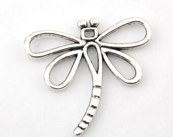 10 Large Antiqued Silver Tone DRAGONFLY Charm Pendants  . chs0844