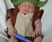 "Chunky Yoda ""Star Wars Inspired"" Hat / Beanie - Star Wars Fans (0-3 / 3-6 / 6-12 month sizes)"