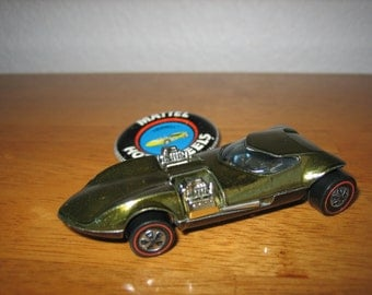 Vintage HOT WHEELS Twin Mill Toy Car and Button/Pin 1960s  Mattel   Hong Kong