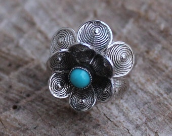 Vintage Silver Flower Ring with Turquoise