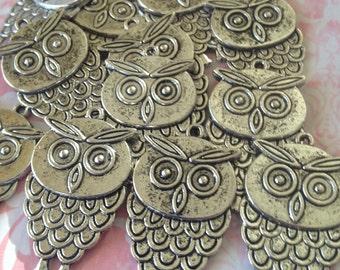 Owl charm - 10 pieces