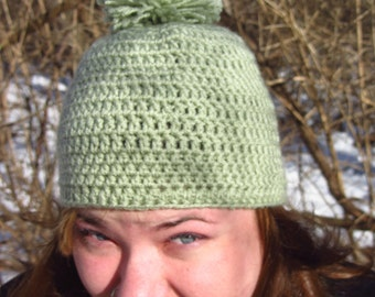 NEW MARKDOWN - Hunter Green Women's Winter Cap with PomPom - Large