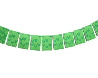 Chevron Arrow Flags, Paper Pennant Banner, Green Bunting Decoration, Thick Hanging Garland, Chevron Cut Arrows, Bright Green Decor