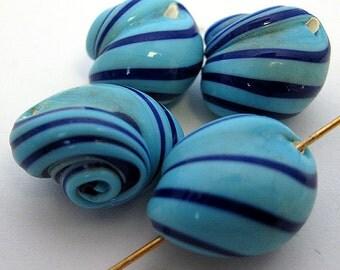 Vintage Japanese Blue Snail Beads E48