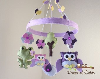 Baby Crib Mobile - Baby Mobile - Owls & Frogs Mobile - Mobile in a Felt Circle Frame (You can pick your colors)