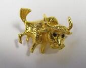 Vintage Bull Brooch, Toro Brooch, In gold tone metal