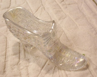 Fenton Glass Shoe Fenton Vintage Button and Daisy Clear and Sparkle Cinderellas Shoe