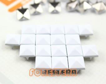 300Pcs 10mm White Color PYRAMID Studs (C-WH10)
