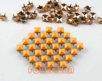 100Pcs 5mm Bright Orange Color PYRAMID Studs (CP-2007-05)