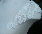 Straps cap sleeves with sporadic lace plain, detachable w snaps