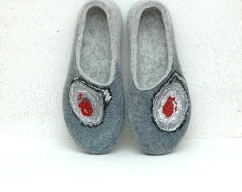 Felted slippers for women Valenki Womens home shoes Handmade slippers Grey slippers Red grey black Traditional felt Woolen clogs