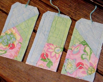 Patchwork Gift Wrap Tags, Original Prim Shabby Vintage Pastel Feed Sack Fabric Cutter Quilt Hang Tags, Boutique String Tags itsyourcountry