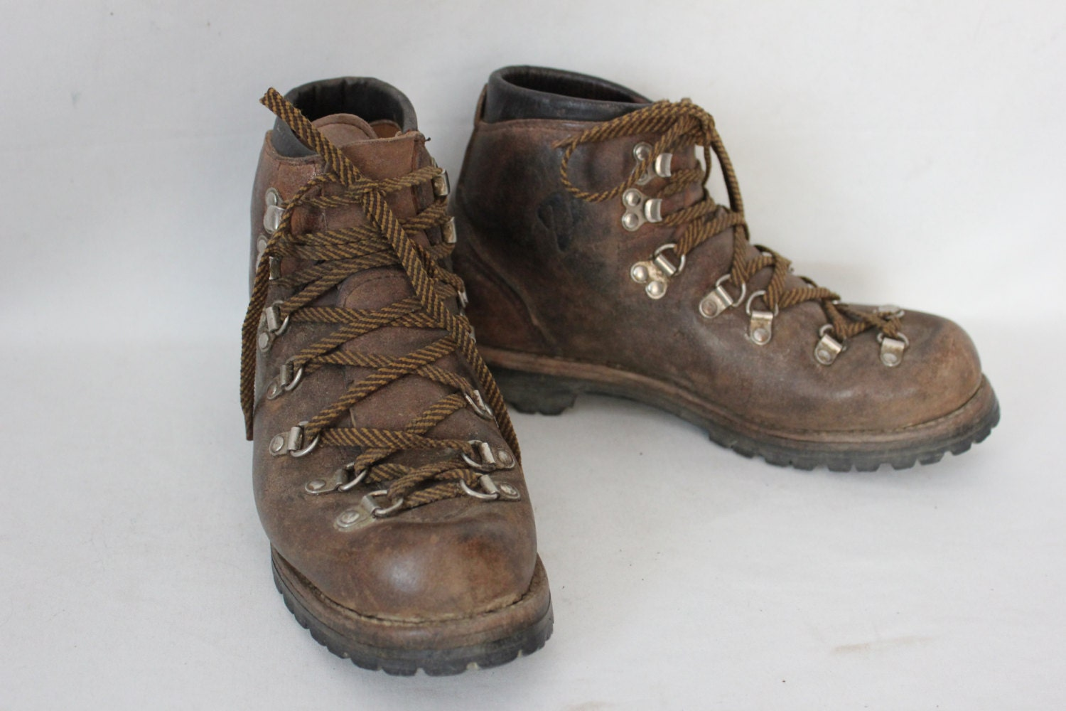 vintage vasque hiking boots womens size 8 mens size 6. Black Bedroom Furniture Sets. Home Design Ideas