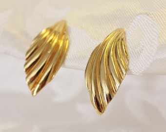 Sarah Coventry Gold Clip Earrings
