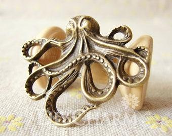 Antique Bronze Tone Octopus Devilfish Pendant 44x36mm - 2Pcs - DC23937