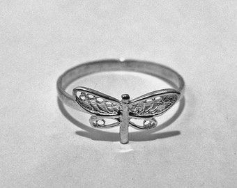 DRAGONFLY ring, dragonfly jewelry, petite dragonfly, little dragonfly, small dragonfly, small ring, dragonfly,  jewelry dragonfly, rings