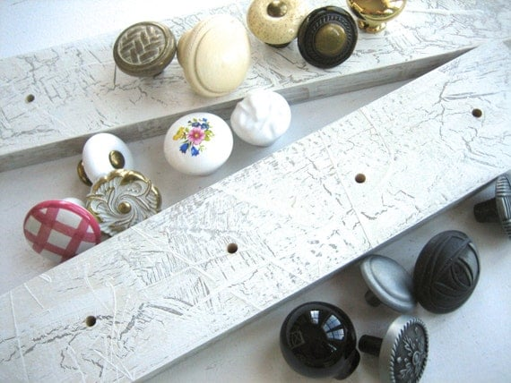 DIYer / Make Your Own Jewelry Rack