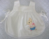 FREE SHIPPING Vintage White Mouse Apron Top