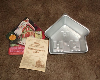 1982 Wilton Holiday Home House Cake Pan with Instructions Free Shipping