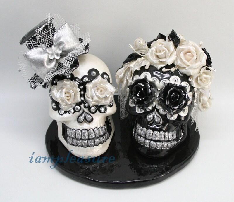 skull black white weddings cake topper handmade crown of. Black Bedroom Furniture Sets. Home Design Ideas