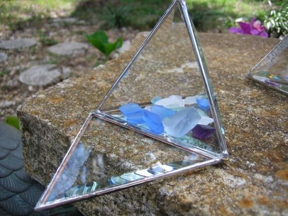 "6"" Pyramid Glass Box"