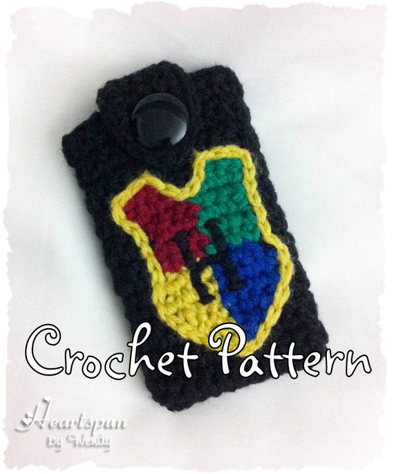 Crochet Patterns Harry Potter : CROCHET PATTERN to make a Harry Potter Hogwarts Crest Phone Case for ...
