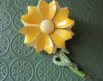 Vintage 70's Large Yellow Enamel Daisy Pin