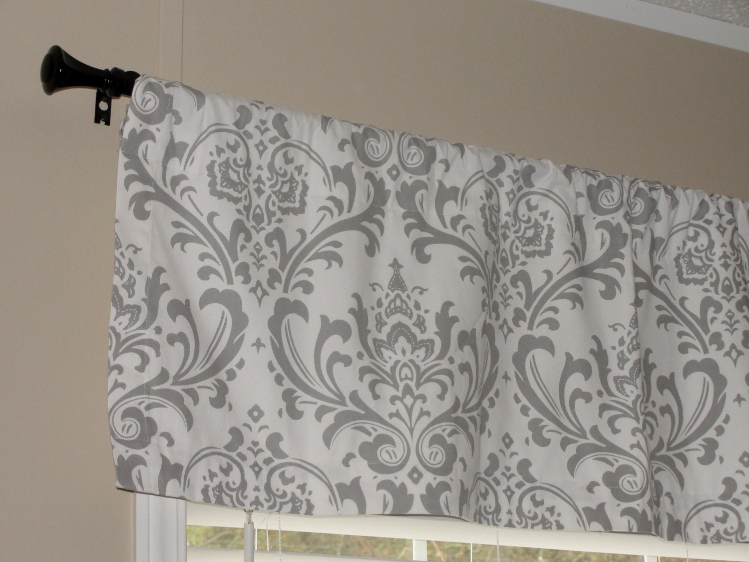 Premier Prints Storm Gray And White Damask Valance 50