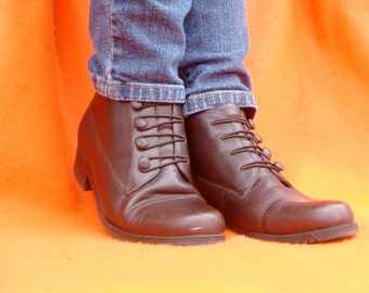 Sporto Brown Lace Up Boots Granny Lacers 90s Leather Lace Up Grunge Ankle Boots Size 7.5 W