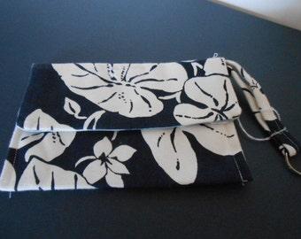 Handmade Wristlet, Flowers, Navy an white