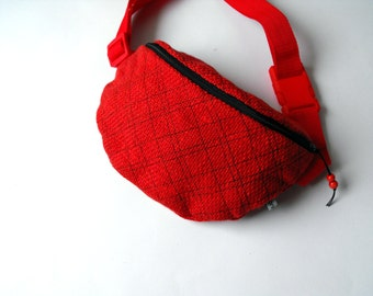 fanny pack/hip bag - red and black chequered (medium size)