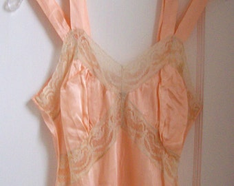 deco negligee set ... 1930s peach liquid satin nightgown and bed jacket ... double straps, lace, blue ribbon ... size 36