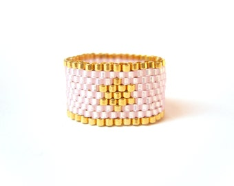 Pink Star Ring, Beaded Ring, Beadwoven Star Ring, Pastel Pink Jewelry, UK Seller