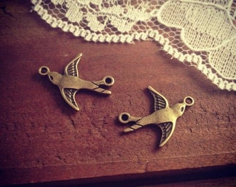 8 - Bird Charm Connectors, Antique Bronze, Double Sided, Flying Bird, Vintage Jewelry Supplies  (BB105)