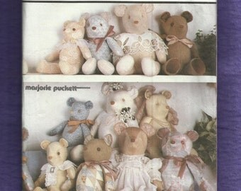 Vintage 1986 Simplicity 7826 Teddy Bears in Three Sizes Mama Papa and Baby