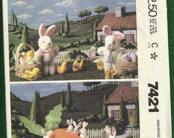 Vintage 1981 McCalls 7421 Easter Bunnies Baby Bunnies Baby Chicks Eggs and  Baskets