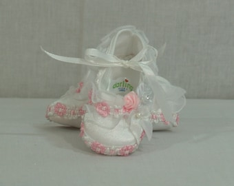 Baby Girls Shoes white Pink Size 0 to 3, White Satin, Baby Pink Flowers, Ruffles, Mary Jane, Christening, Baptism, Presentation, Baby Gift