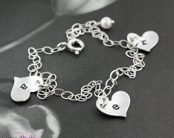 Mothers bracelet, three initials personalized bracelet, family letters heart bracelet, mom jewelry