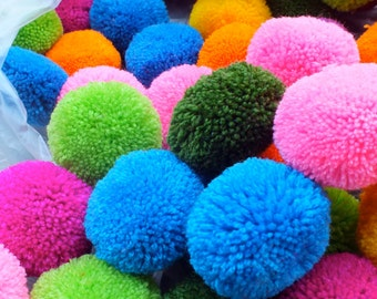 "200,   2"" inch Yarn Pom Poms  - beads, balls,flower, cotton, handmade, pompom, Mixed color,"