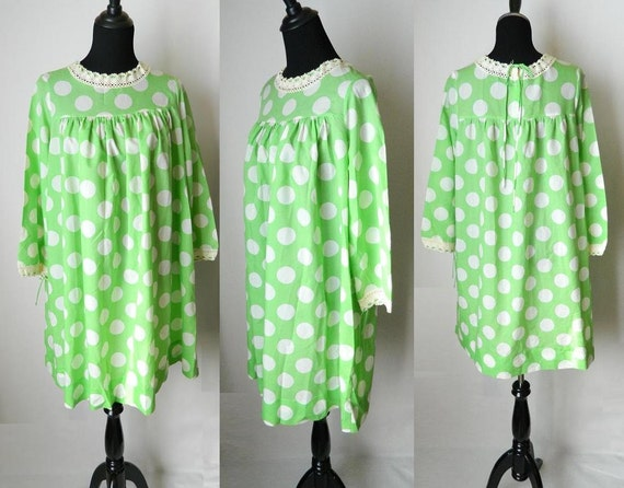 1950s Parisian Maid Creation  Saks fifth Avenue  Antique Green and White Polka dot shift dress Size M