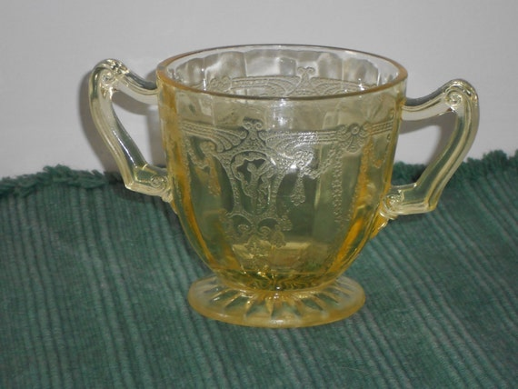 Yellow depression glass cameo crystal sugar bowl